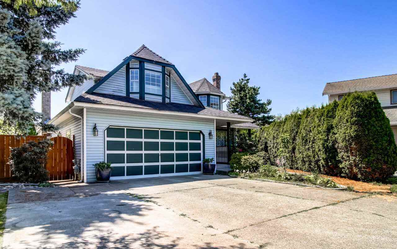 Detached at 15484 95 AVENUE, Surrey, British Columbia. Image 1