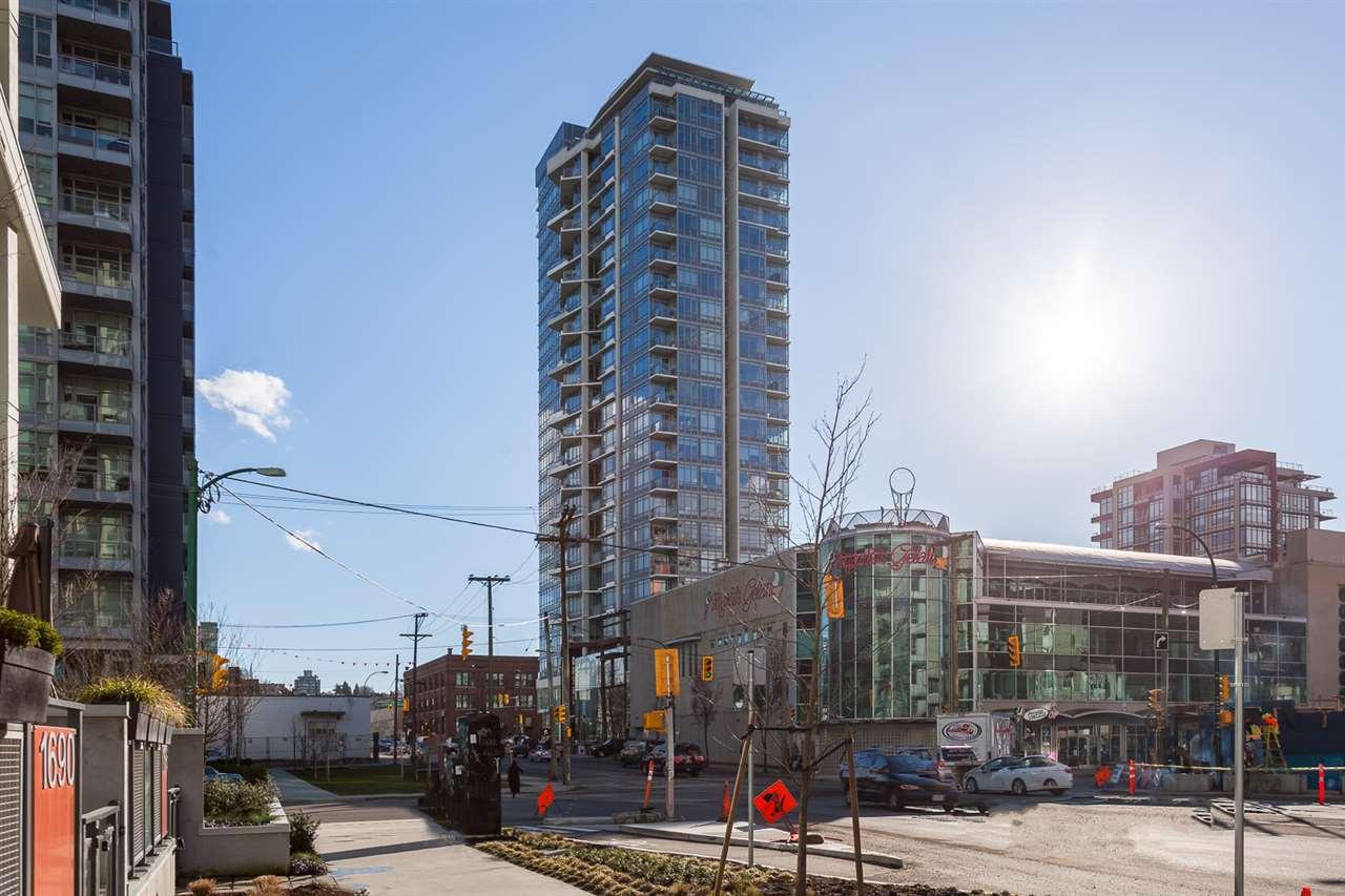 Condo Apartment at 1205 1775 QUEBEC STREET, Unit 1205, Vancouver East, British Columbia. Image 1