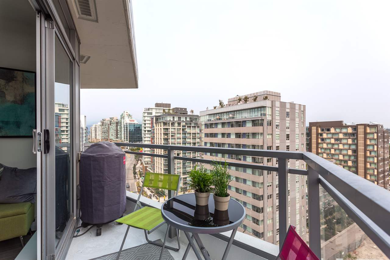 Condo Apartment at 1205 1775 QUEBEC STREET, Unit 1205, Vancouver East, British Columbia. Image 15