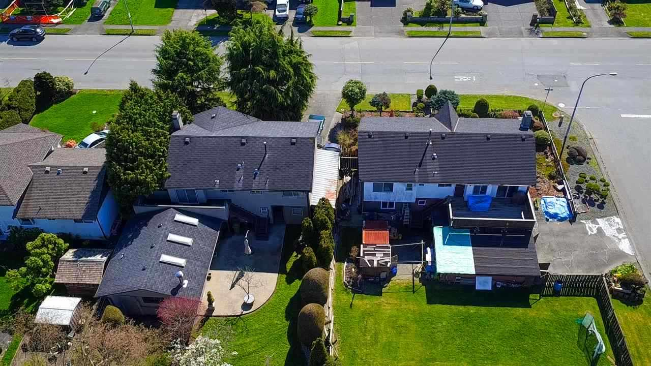 Detached at 3211 BLUNDELL ROAD, Richmond, British Columbia. Image 2