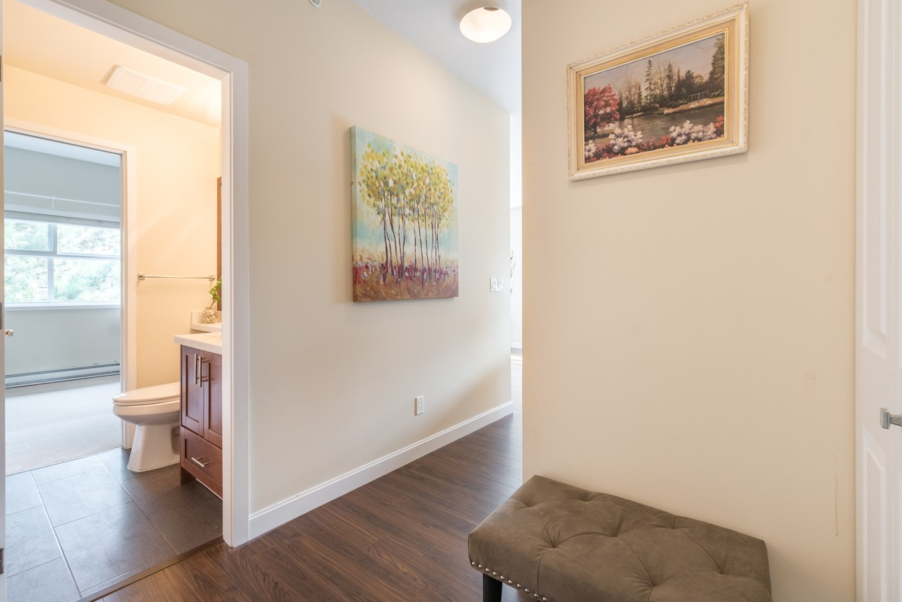 Condo Apartment at 308 5655 INMAN AVENUE, Unit 308, Burnaby South, British Columbia. Image 2
