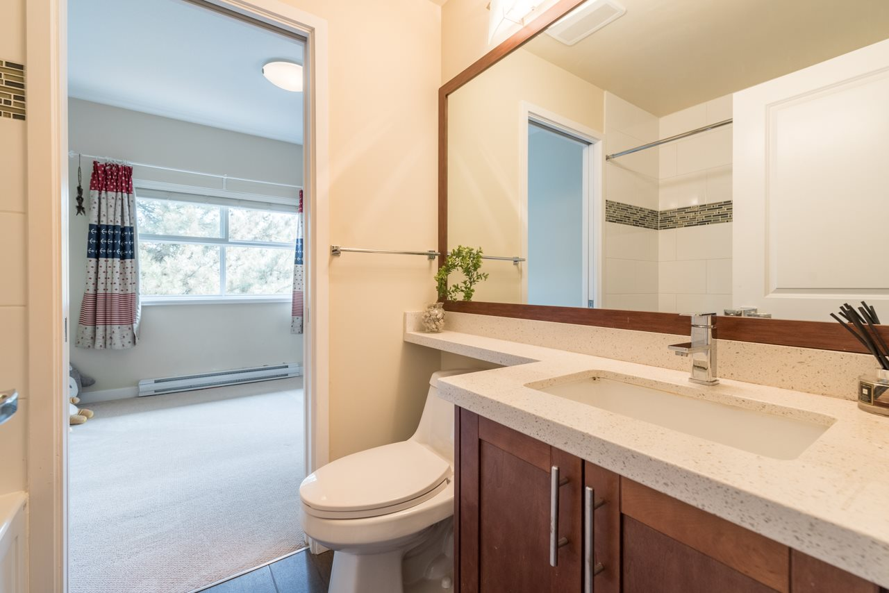 Condo Apartment at 308 5655 INMAN AVENUE, Unit 308, Burnaby South, British Columbia. Image 3