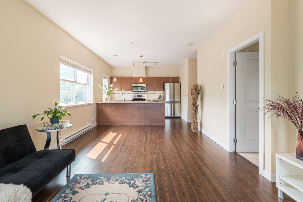 Condo Apartment at 308 5655 INMAN AVENUE, Unit 308, Burnaby South, British Columbia. Image 8