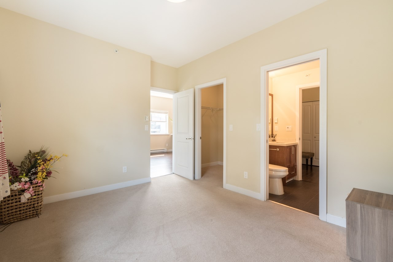 Condo Apartment at 308 5655 INMAN AVENUE, Unit 308, Burnaby South, British Columbia. Image 10