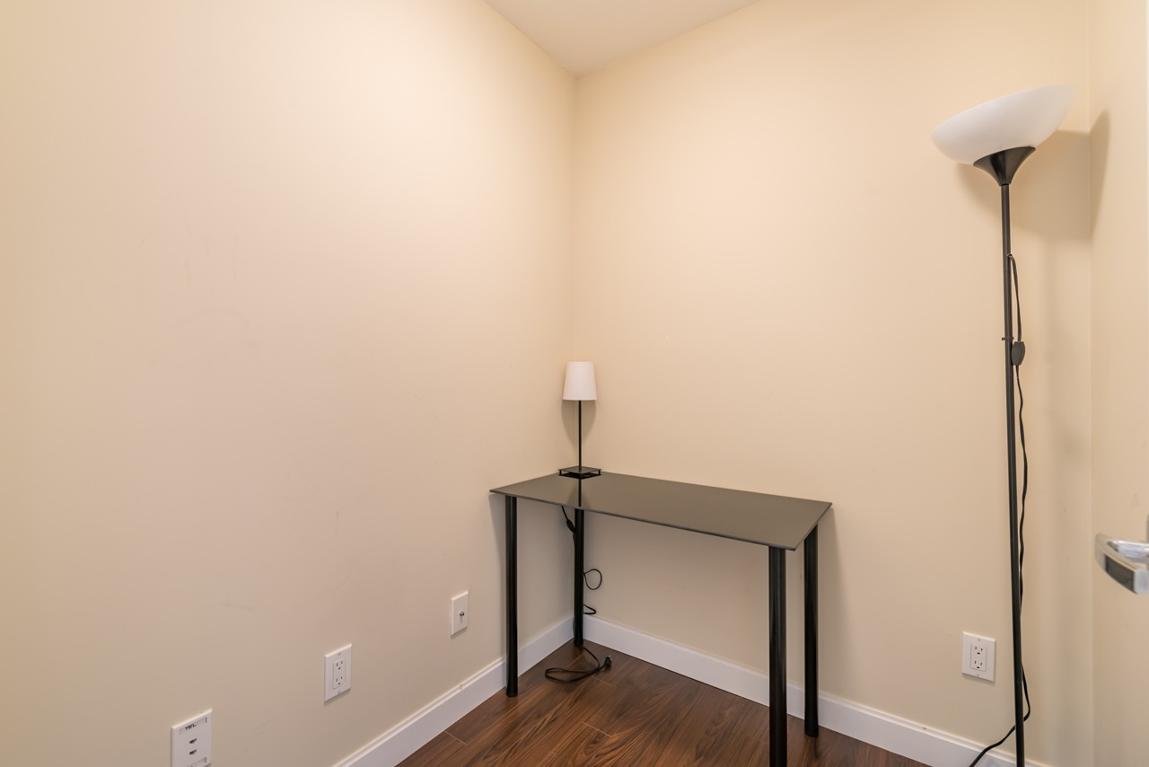 Condo Apartment at 308 5655 INMAN AVENUE, Unit 308, Burnaby South, British Columbia. Image 14