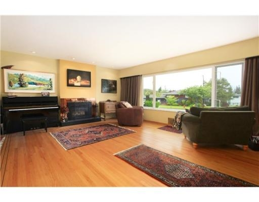 Detached at 4463 HAGGART STREET, Vancouver West, British Columbia. Image 3