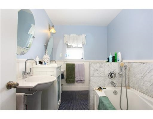 Detached at 4463 HAGGART STREET, Vancouver West, British Columbia. Image 11