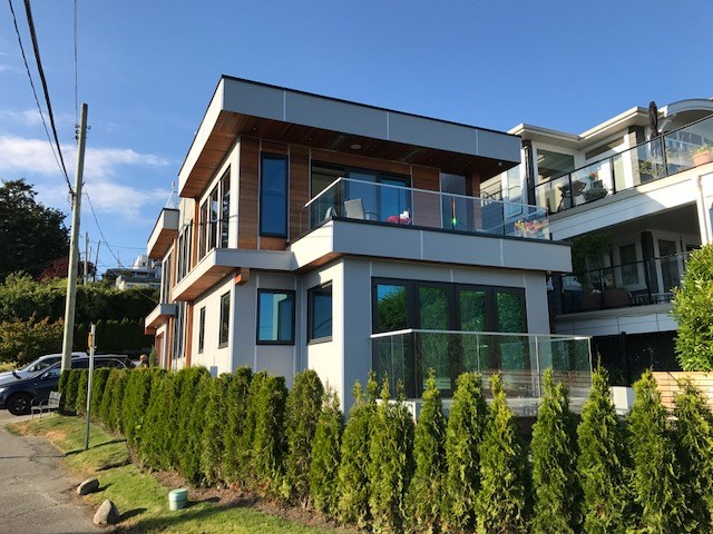 Detached at 1136 MARTIN STREET, South Surrey White Rock, British Columbia. Image 1