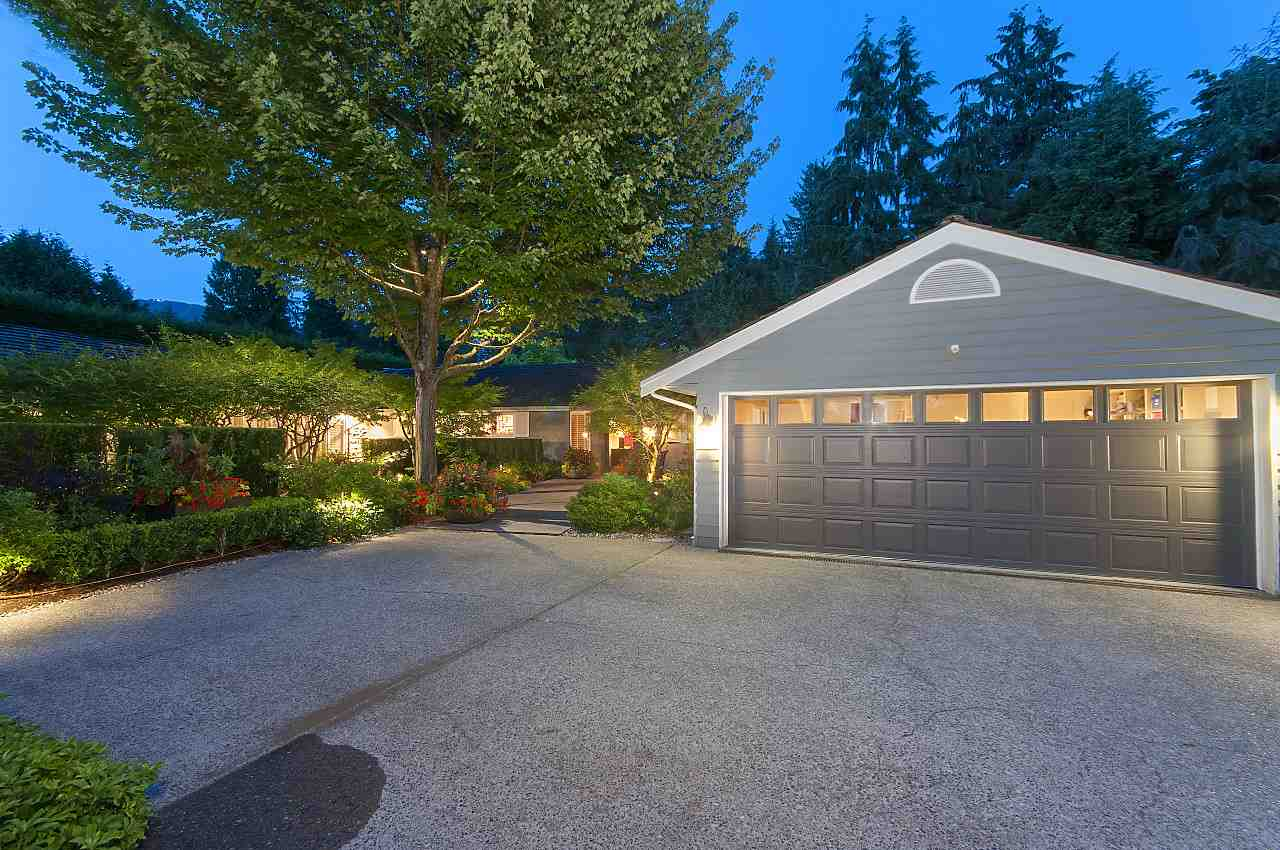 Detached at 580 SOUTHBOROUGH DRIVE, West Vancouver, British Columbia. Image 17