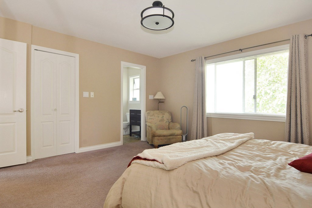 Detached at 25159 19 AVENUE, Langley, British Columbia. Image 7