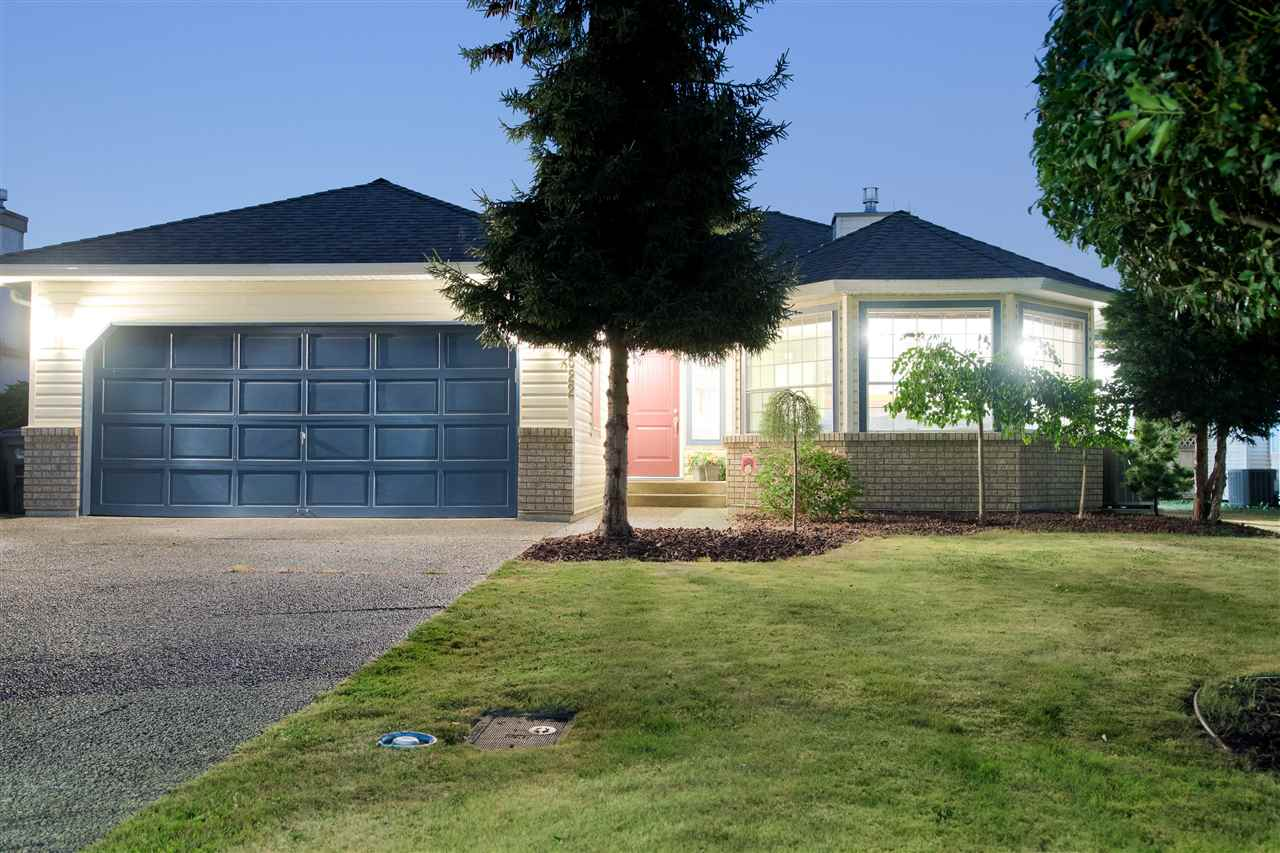 Detached at 8522 164A STREET, Surrey, British Columbia. Image 1
