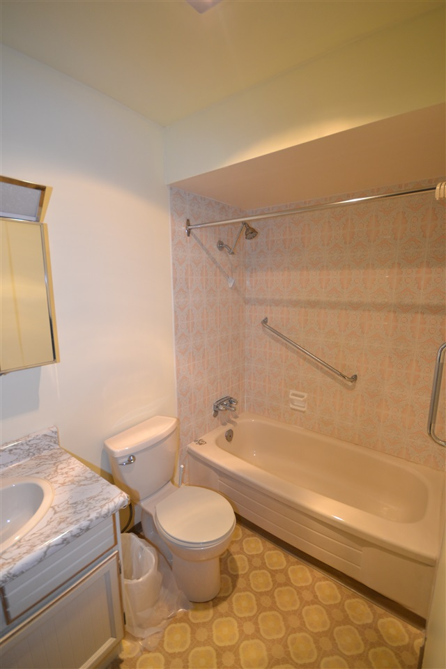Condo Apartment at 342 2821 TIMS STREET, Unit 342, Abbotsford, British Columbia. Image 6