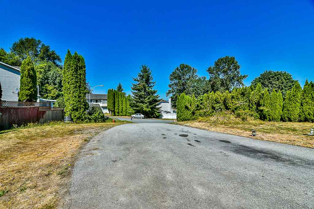 Detached at 11580 138B STREET, North Surrey, British Columbia. Image 20