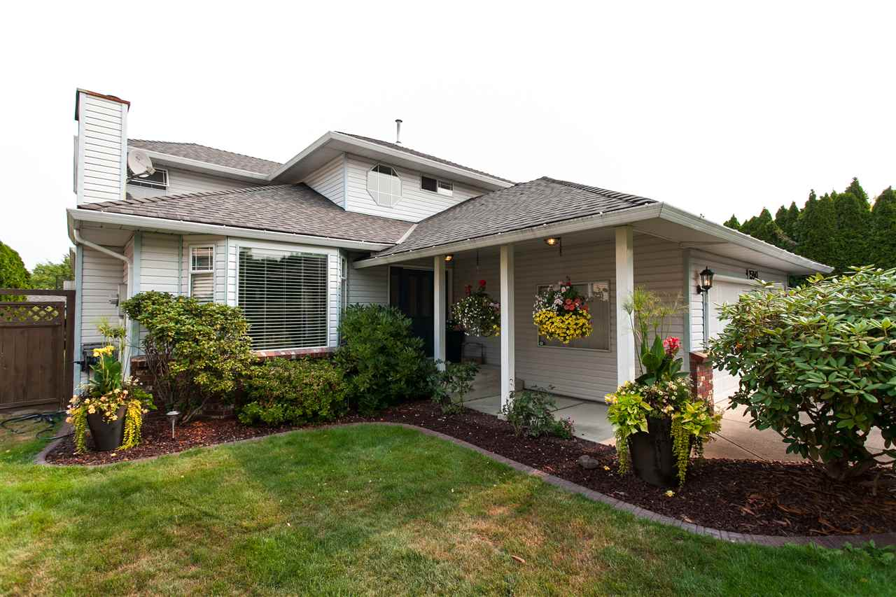 Detached at 15941 89 AVENUE, Surrey, British Columbia. Image 1