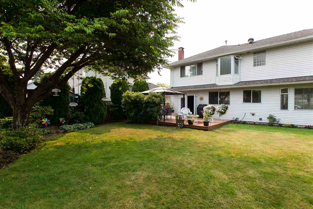 Detached at 15941 89 AVENUE, Surrey, British Columbia. Image 20