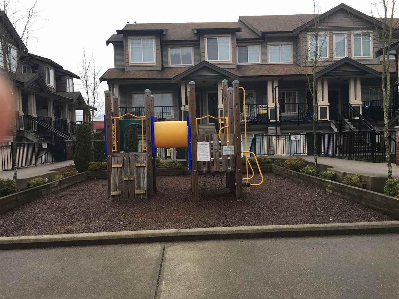 Townhouse at 107 13958 108 AVENUE, Unit 107, North Surrey, British Columbia. Image 2