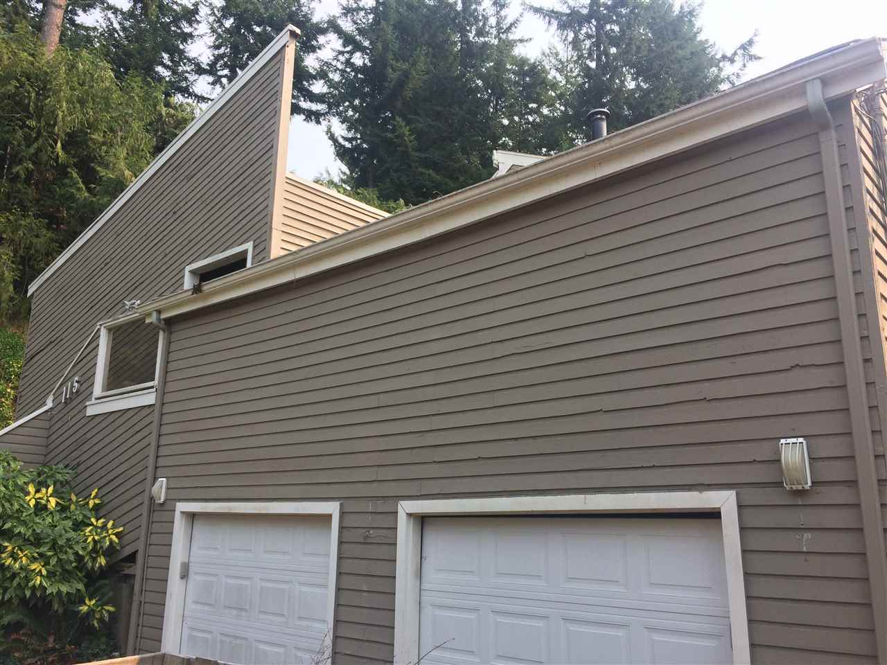 Detached at 115 MOUNTAIN DRIVE, West Vancouver, British Columbia. Image 2