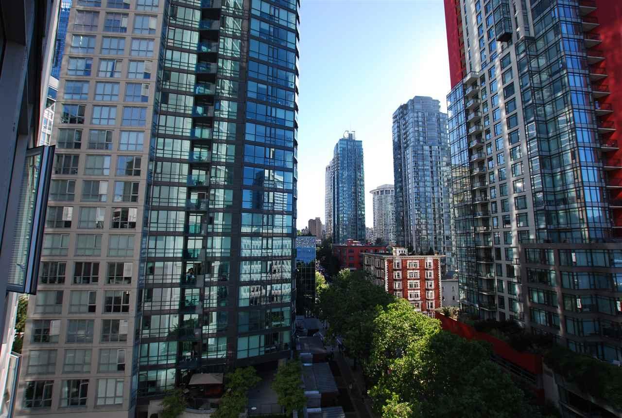 Condo Apartment at 901 1188 W PENDER STREET, Unit 901, Vancouver West, British Columbia. Image 5