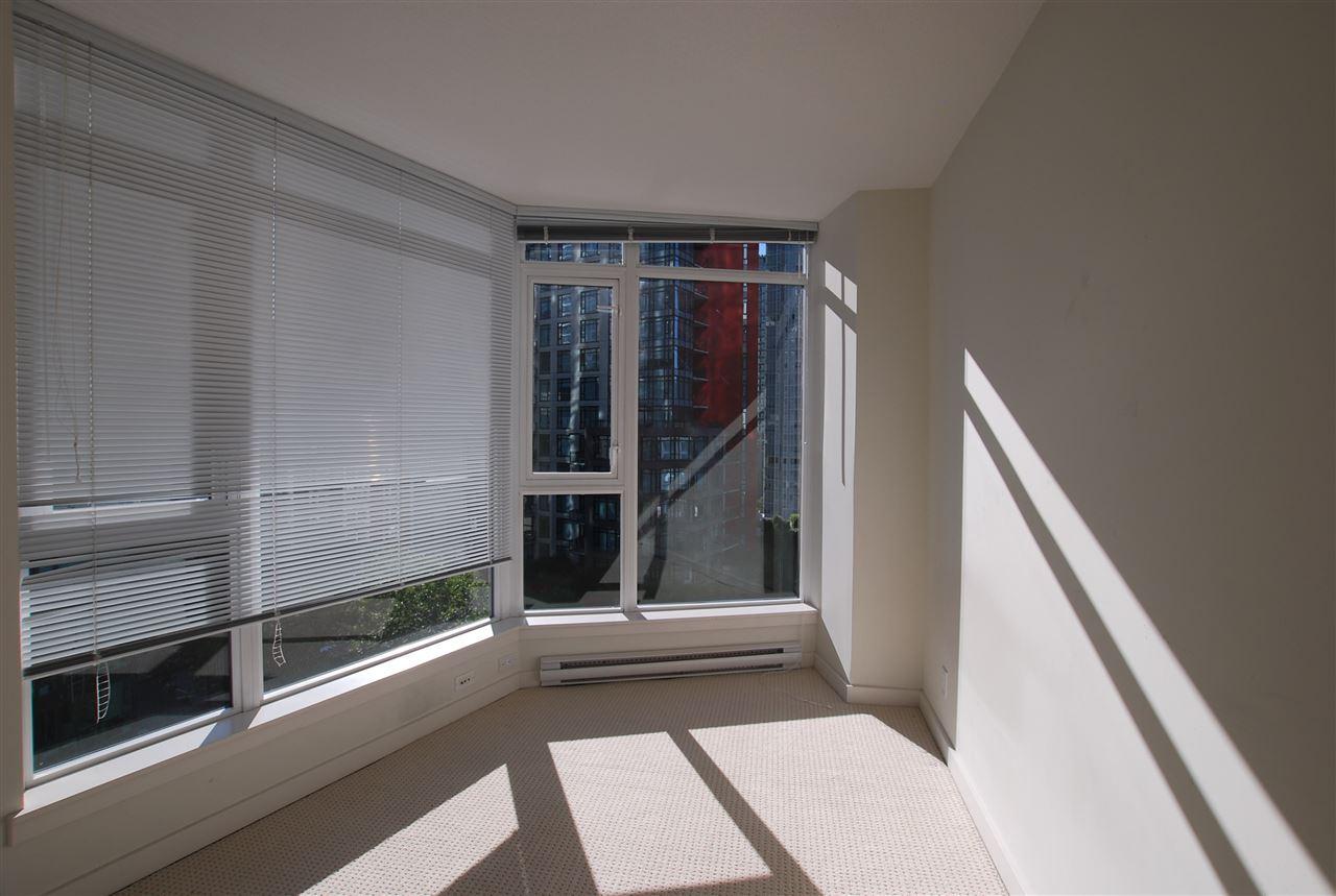 Condo Apartment at 901 1188 W PENDER STREET, Unit 901, Vancouver West, British Columbia. Image 9