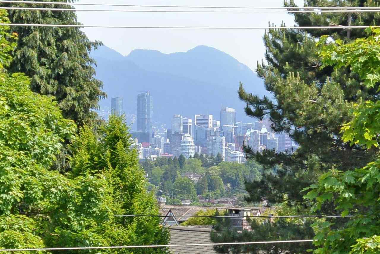 Detached at 4889 TRAFALGAR STREET, Vancouver West, British Columbia. Image 17