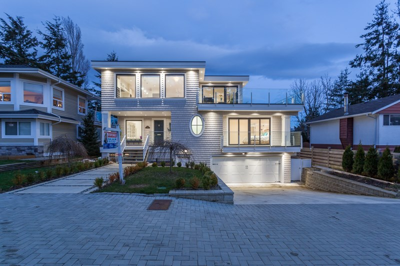 Detached at 1268 MAPLE STREET, South Surrey White Rock, British Columbia. Image 1
