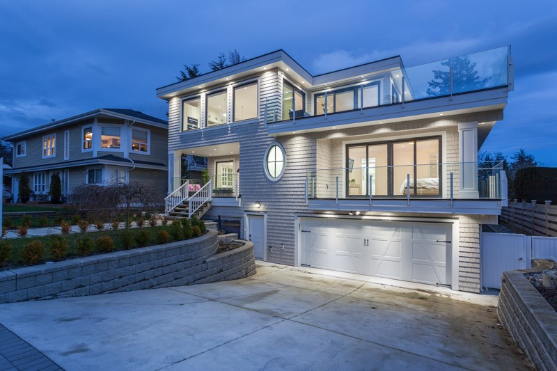 Detached at 1268 MAPLE STREET, South Surrey White Rock, British Columbia. Image 2