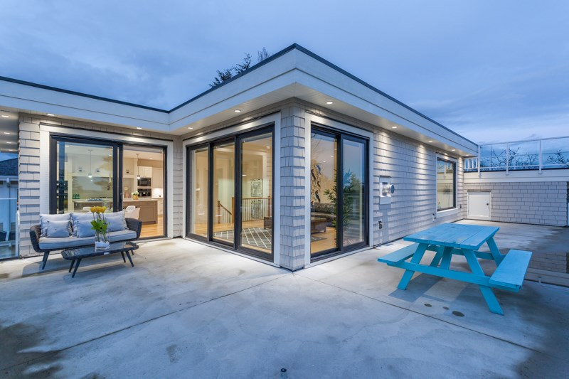 Detached at 1268 MAPLE STREET, South Surrey White Rock, British Columbia. Image 3