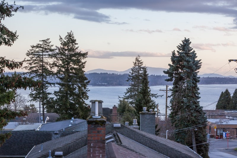 Detached at 1268 MAPLE STREET, South Surrey White Rock, British Columbia. Image 7