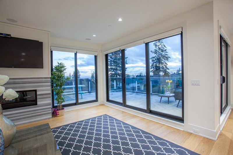 Detached at 1268 MAPLE STREET, South Surrey White Rock, British Columbia. Image 12