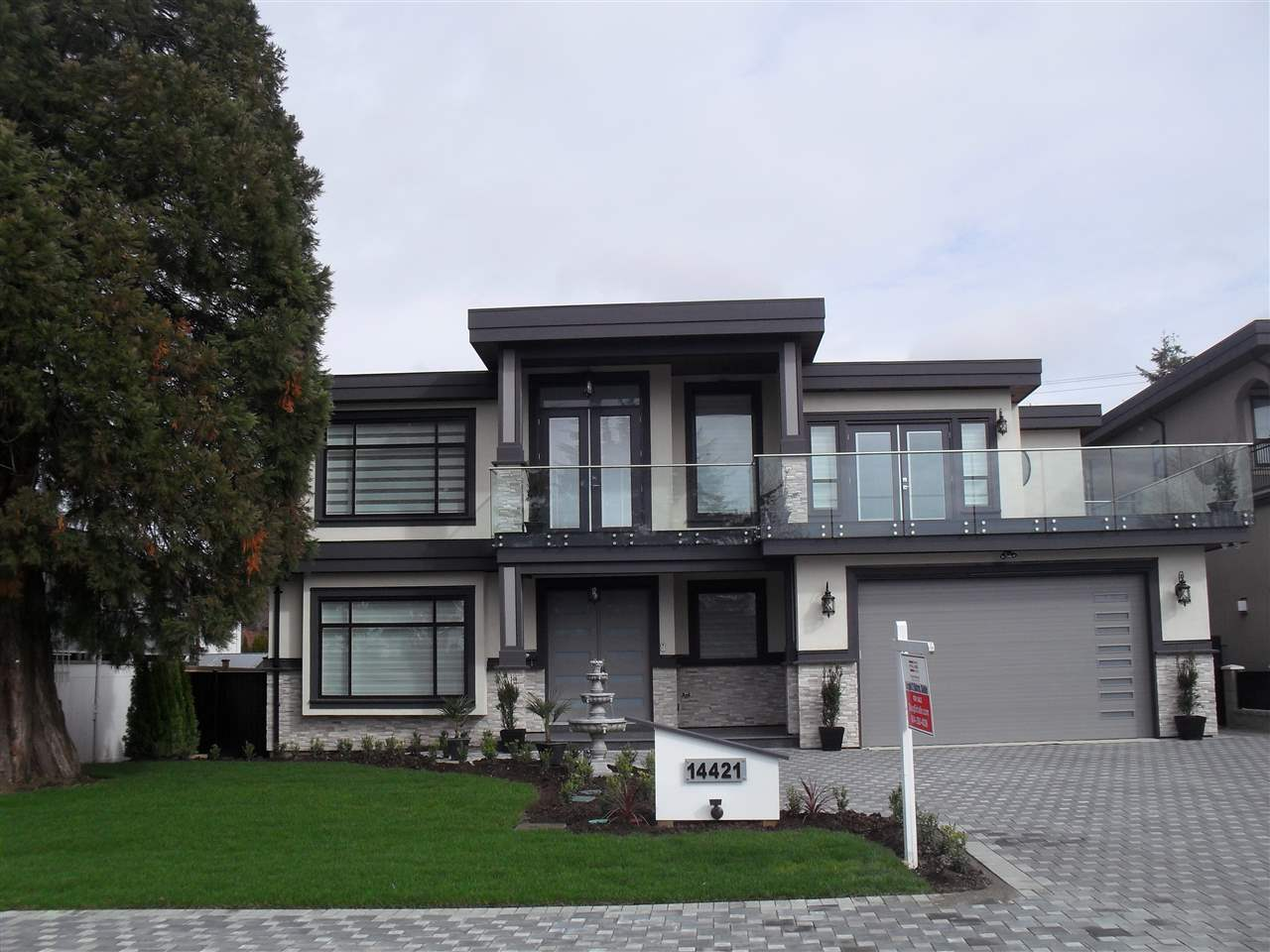 Detached at 14421 SATURNA DRIVE, South Surrey White Rock, British Columbia. Image 1