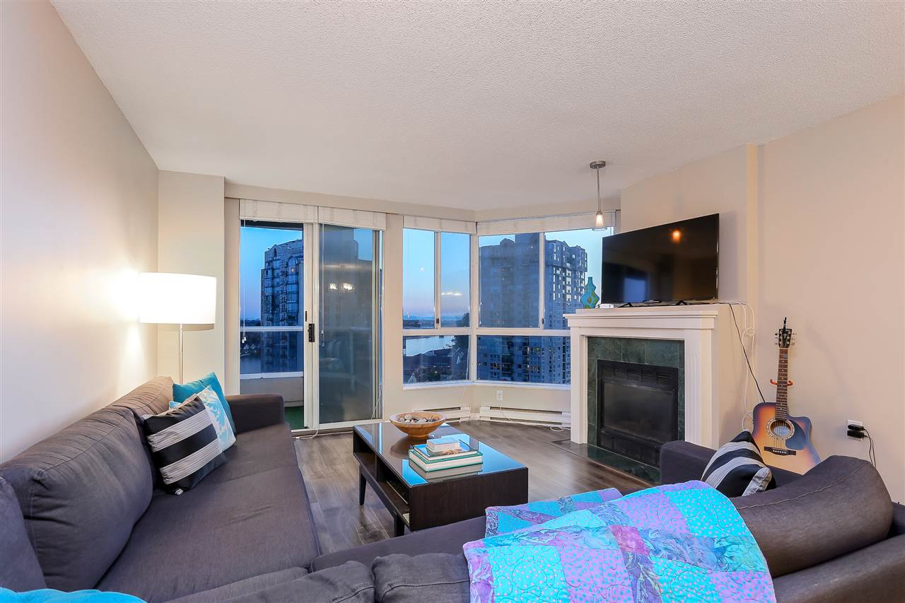 Condo Apartment at 1502 1245 QUAYSIDE DRIVE, Unit 1502, New Westminster, British Columbia. Image 1