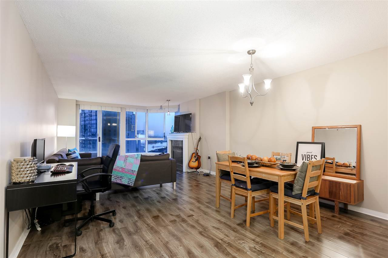 Condo Apartment at 1502 1245 QUAYSIDE DRIVE, Unit 1502, New Westminster, British Columbia. Image 3