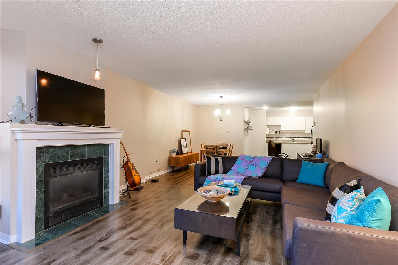 Condo Apartment at 1502 1245 QUAYSIDE DRIVE, Unit 1502, New Westminster, British Columbia. Image 4