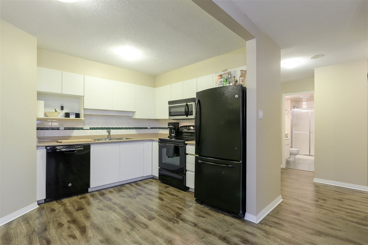 Condo Apartment at 1502 1245 QUAYSIDE DRIVE, Unit 1502, New Westminster, British Columbia. Image 7