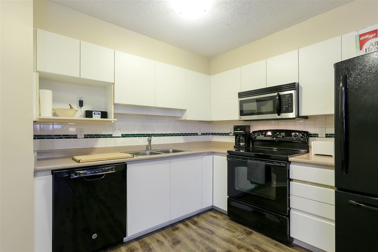 Condo Apartment at 1502 1245 QUAYSIDE DRIVE, Unit 1502, New Westminster, British Columbia. Image 8
