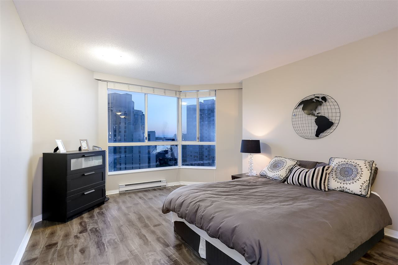 Condo Apartment at 1502 1245 QUAYSIDE DRIVE, Unit 1502, New Westminster, British Columbia. Image 9