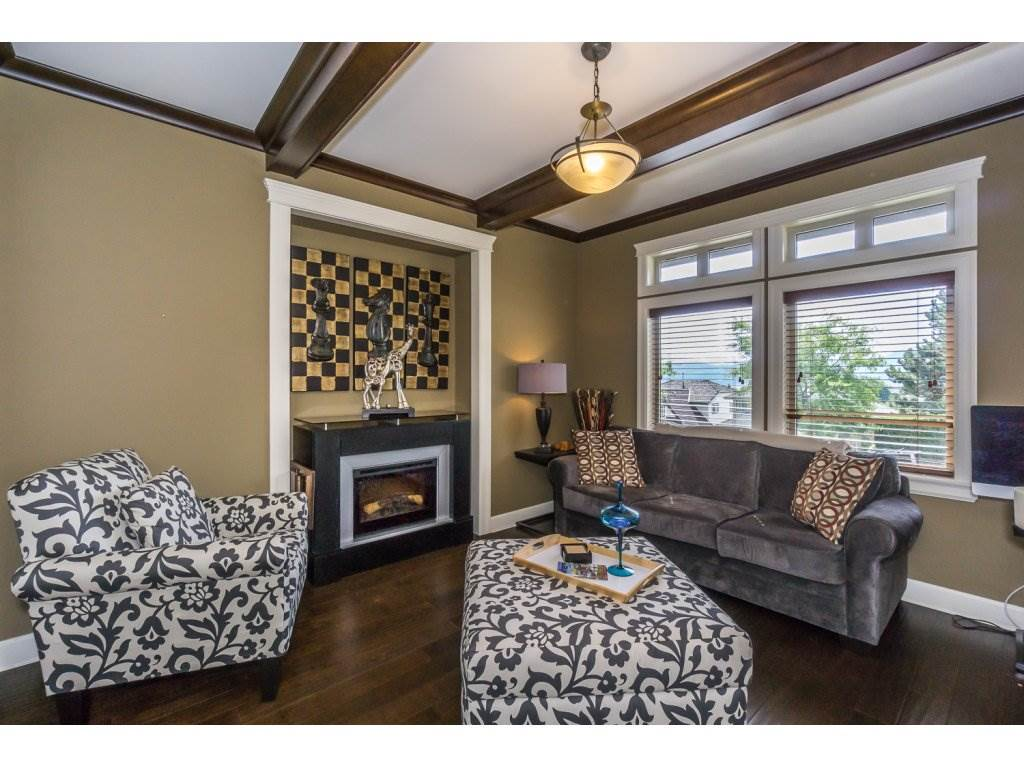 Detached at 35887 REGAL PARKWAY, Abbotsford, British Columbia. Image 3