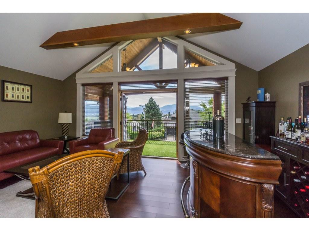 Detached at 35887 REGAL PARKWAY, Abbotsford, British Columbia. Image 14