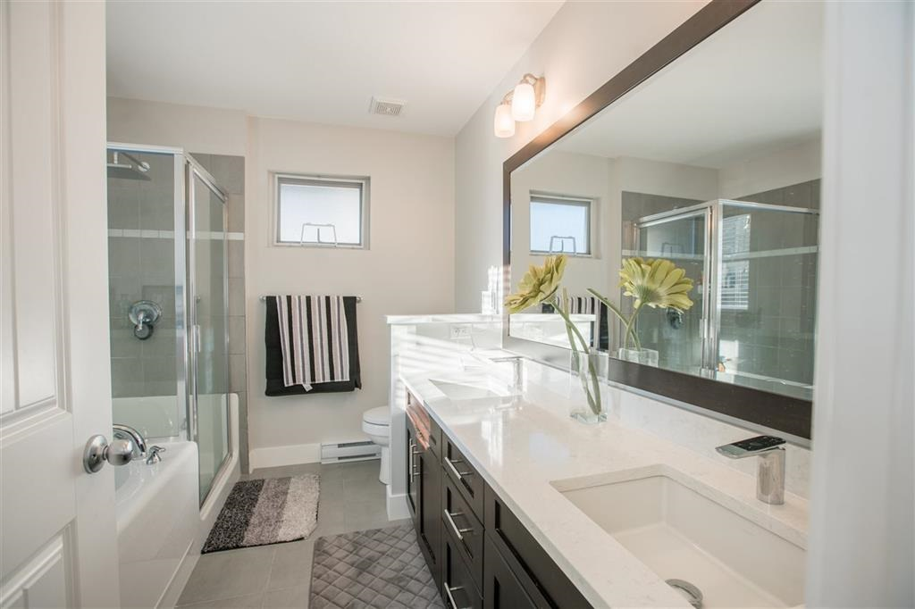 Detached at 1315 SOBALL STREET, Coquitlam, British Columbia. Image 15