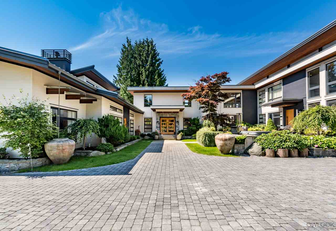 Detached at 585 SOUTHBOROUGH DRIVE, West Vancouver, British Columbia. Image 2
