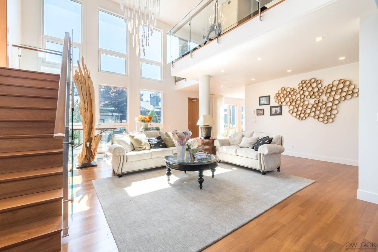 Detached at 585 SOUTHBOROUGH DRIVE, West Vancouver, British Columbia. Image 7
