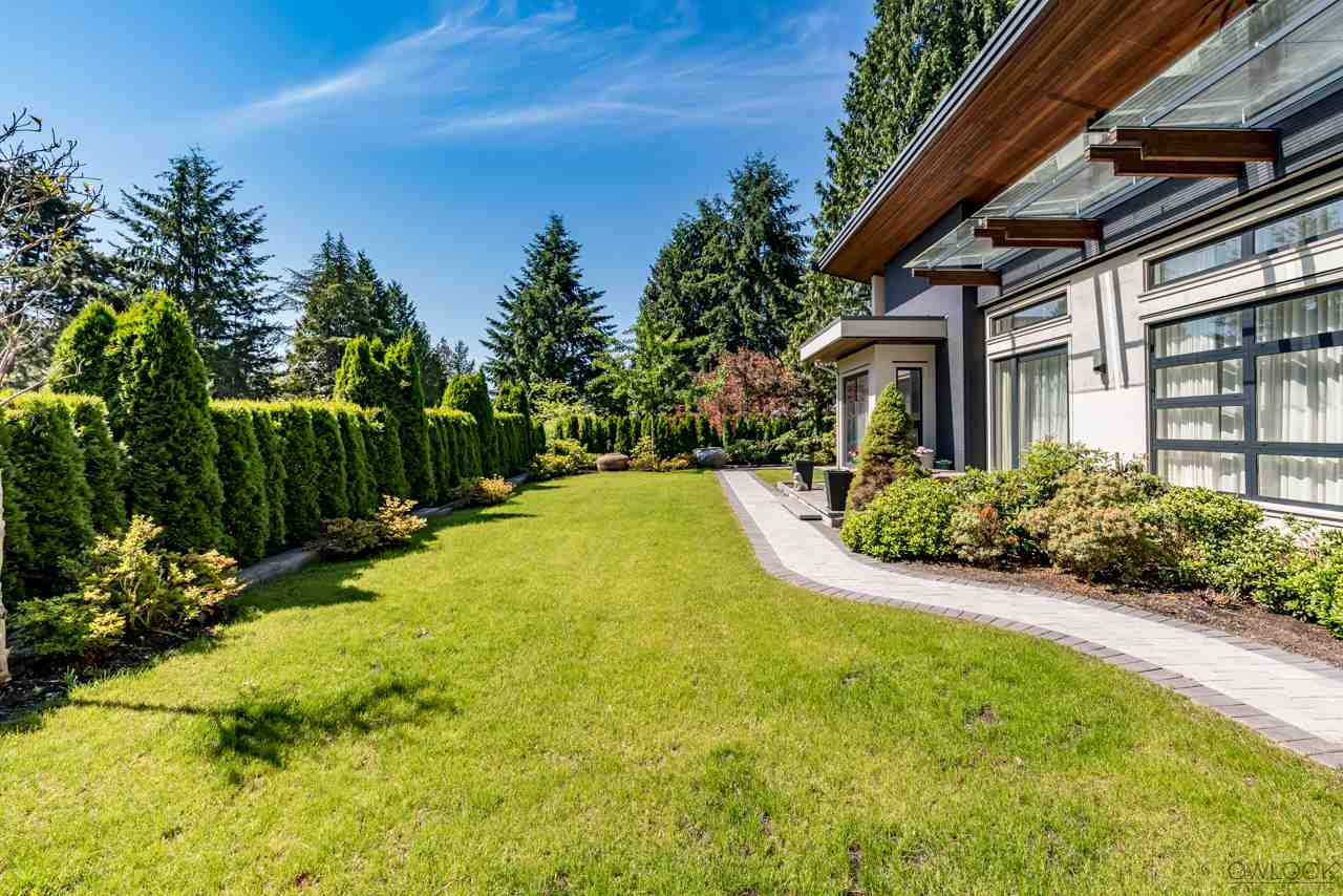 Detached at 585 SOUTHBOROUGH DRIVE, West Vancouver, British Columbia. Image 19