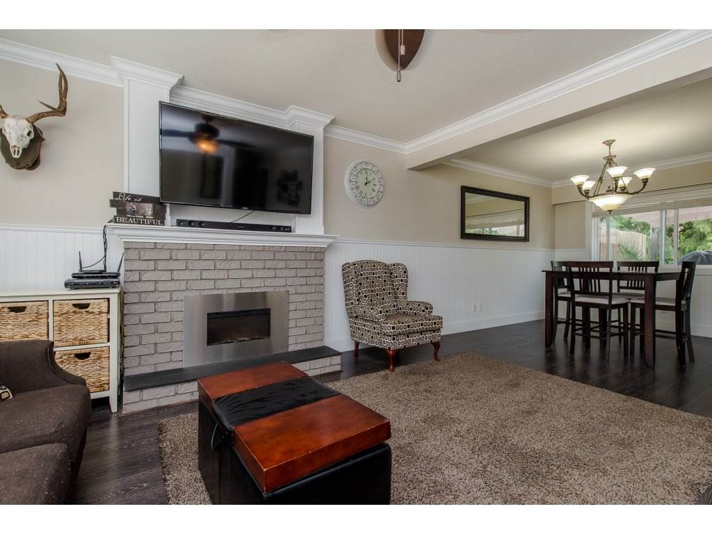 Detached at 32531 ORIOLE CRESCENT, Abbotsford, British Columbia. Image 4
