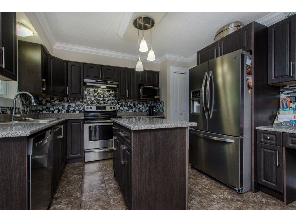 Detached at 32531 ORIOLE CRESCENT, Abbotsford, British Columbia. Image 7