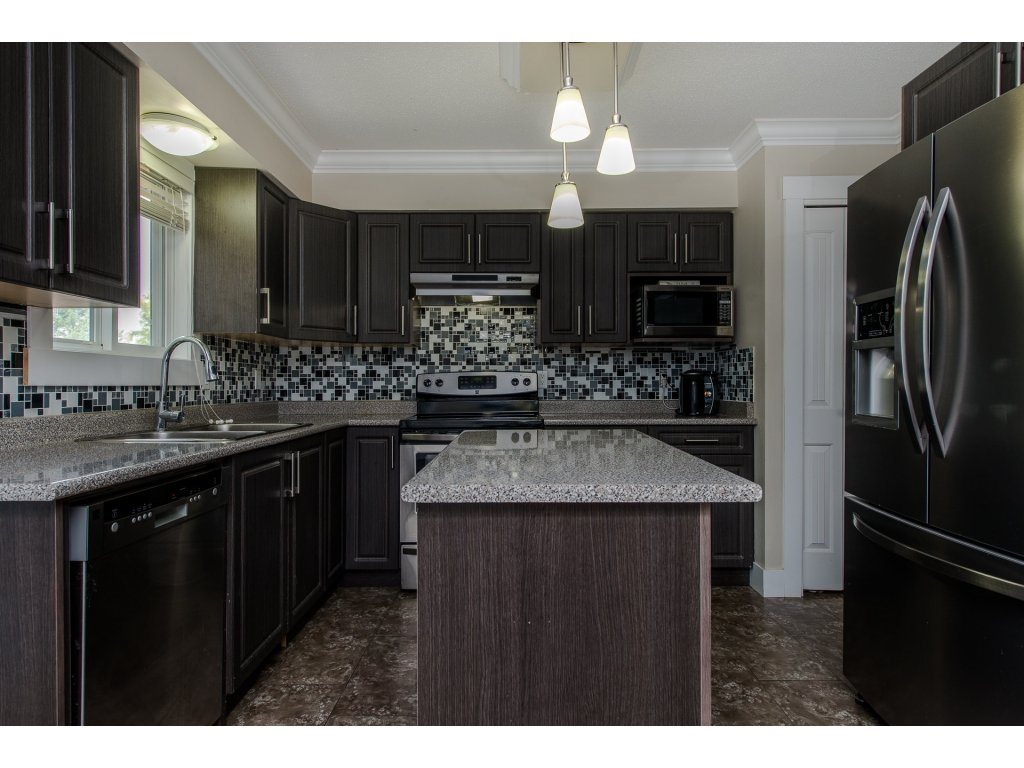 Detached at 32531 ORIOLE CRESCENT, Abbotsford, British Columbia. Image 8