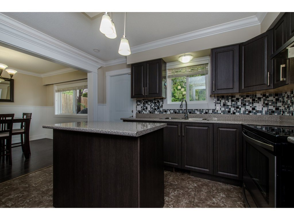 Detached at 32531 ORIOLE CRESCENT, Abbotsford, British Columbia. Image 9