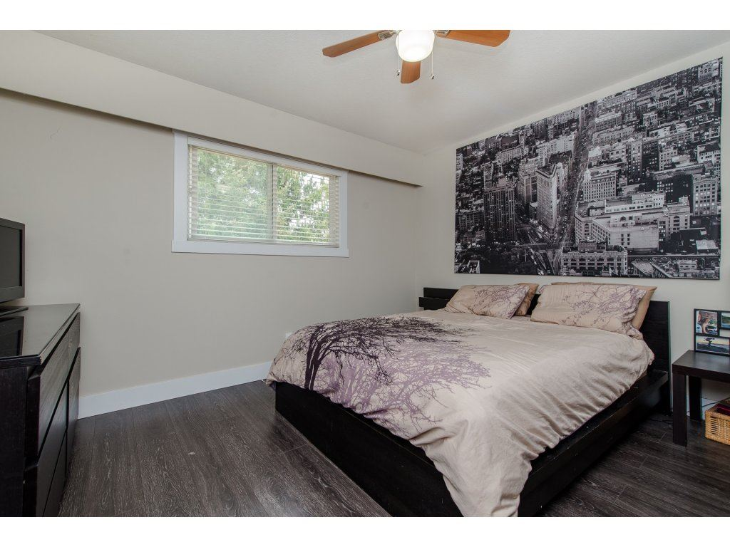 Detached at 32531 ORIOLE CRESCENT, Abbotsford, British Columbia. Image 11