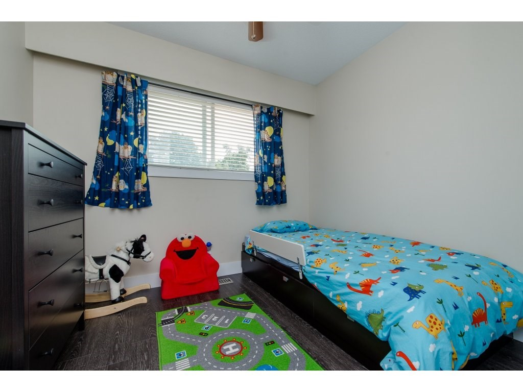 Detached at 32531 ORIOLE CRESCENT, Abbotsford, British Columbia. Image 13