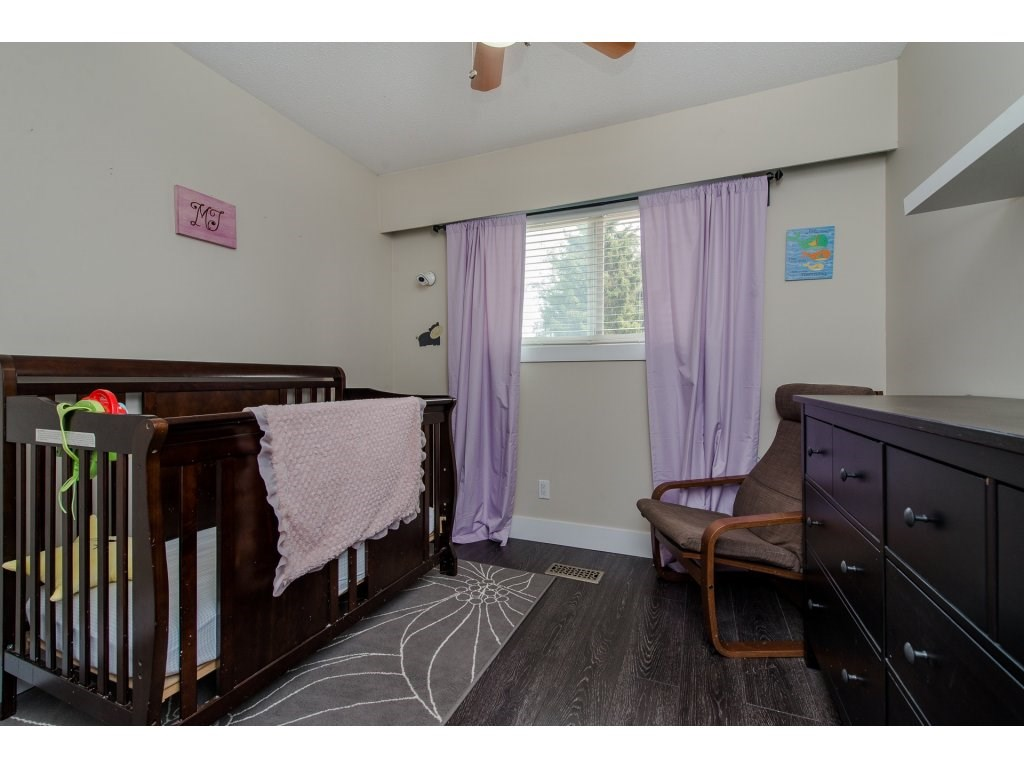 Detached at 32531 ORIOLE CRESCENT, Abbotsford, British Columbia. Image 14
