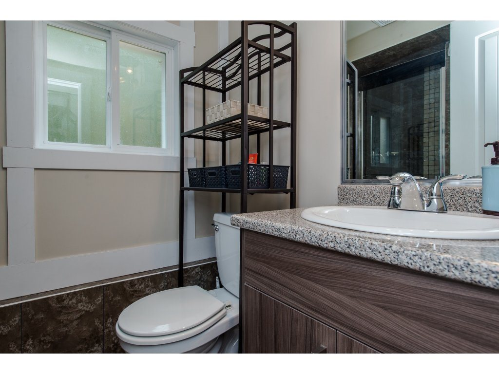 Detached at 32531 ORIOLE CRESCENT, Abbotsford, British Columbia. Image 18